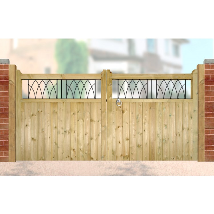 WINDSOR WOODEN LOW DRIVEWAY GATE 1200MM HIGH X 3600MM WIDE