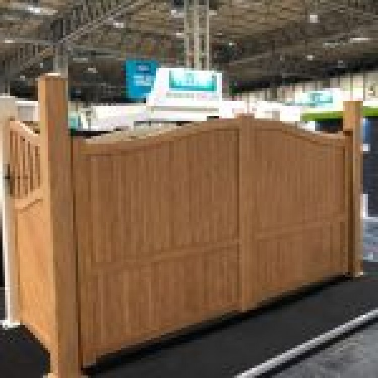 Double swing gate 4000x2200mm p/c Sandy wood